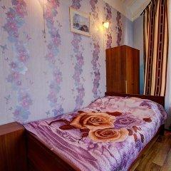 Гостиница Гостевые комнаты у Петропавловской 2* Номер с общей ванной комнатой с различными типами кроватей (общая ванная комната)