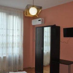 Narikala Palace Hotel сейф в номере