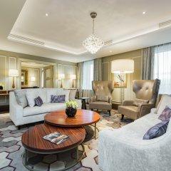 Отель Grand Hotel Kempinski Riga Латвия, Рига - 2 отзыва об отеле, цены и фото номеров - забронировать отель Grand Hotel Kempinski Riga онлайн комната для гостей фото 4
