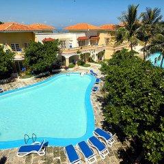 Comodoro Hotel бассейн