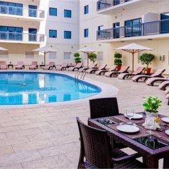 Golden Sands 10 Hotel Apartments бассейн