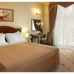 Hotel Pylypets Поляна комната для гостей