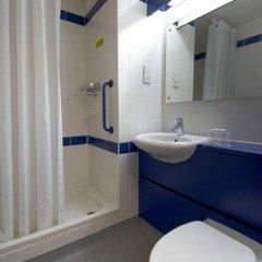 Отель Travelodge Hatfield Central ванная