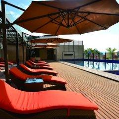 Barry Boutique Hotel Sanya бассейн