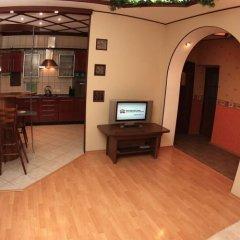 Гостиница «Альфа Берёзовая» в Омске отзывы, цены и фото номеров - забронировать гостиницу «Альфа Берёзовая» онлайн Омск комната для гостей фото 2