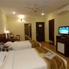 Отель Clarks Inn Nehru Place Индия, Нью-Дели - отзывы, цены и фото номеров - забронировать отель Clarks Inn Nehru Place онлайн комната для гостей фото 2