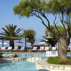 Отель Anthemus Sea Beach Hotel & Spa Греция, Ситония - 2 отзыва об отеле, цены и фото номеров - забронировать отель Anthemus Sea Beach Hotel & Spa онлайн бассейн фото 3