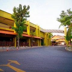 Отель Peace Resort Pattaya парковка фото 3