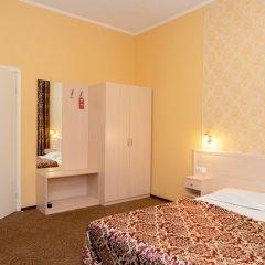 Апартаменты Гостевые комнаты и апартаменты Грифон Стандартный номер с двуспальной кроватью фото 6