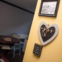 Хостел Trinity & Tours Стандартный номер с двуспальной кроватью (общая ванная комната) фото 4
