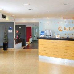 Отель AS Hoteles Porta Catalana Агульяна интерьер отеля