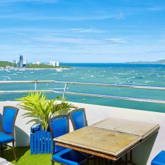 Отель Markland Beachfront by MyPattayaStay балкон