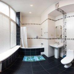 Отель Rymarska ApartHotel Харьков ванная фото 4