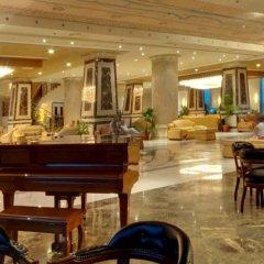 AMC Royal Hotel & Spa - All Inclusive гостиничный бар