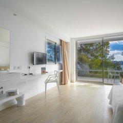 Els Pins Hotel 4* Стандартный семейный номер с различными типами кроватей фото 7