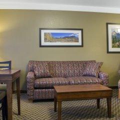 Отель Comfort Inn & Suites Durango комната для гостей