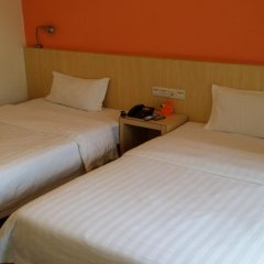 Отель 7 Days Inn (Guangzhou Huanghuagang Metro Station) комната для гостей фото 12