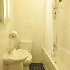 Отель Casuarina Tree Великобритания, Лондон - отзывы, цены и фото номеров - забронировать отель Casuarina Tree онлайн ванная