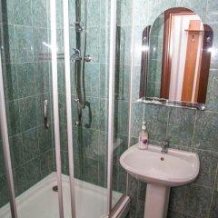 Гостиница Oasis Ug в Ставрополе отзывы, цены и фото номеров - забронировать гостиницу Oasis Ug онлайн Ставрополь ванная фото 2
