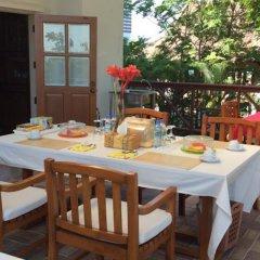 Отель Panwa Beach Svea's Bed & Breakfast Таиланд, Пхукет - отзывы, цены и фото номеров - забронировать отель Panwa Beach Svea's Bed & Breakfast онлайн питание фото 2