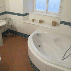 Charles Bridge International Hostel Прага ванная фото 9