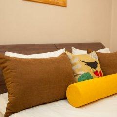 Гостиница ПолиАрт Стандартный номер с двуспальной кроватью фото 9