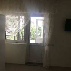 Гостевой Дом Ghouse Номер категории Эконом с двуспальной кроватью (общая ванная комната) фото 2