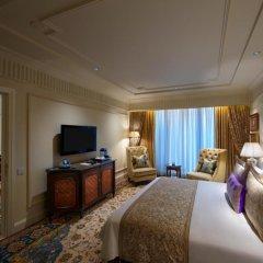 Отель The Leela Palace New Delhi 5* Люкс Luxury