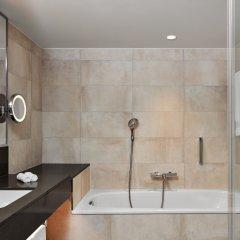 Отель Hilton Vienna Австрия, Вена - 13 отзывов об отеле, цены и фото номеров - забронировать отель Hilton Vienna онлайн ванная фото 3