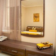 Гостиница ПолиАрт Стандартный номер с двуспальной кроватью фото 8