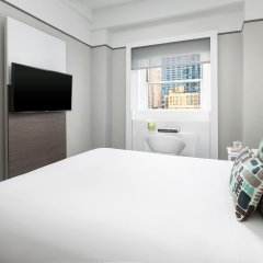 Отель Paramount Times Square 4* Улучшенный номер с различными типами кроватей