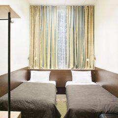 Гостиница Базис-м 3* Номер Эконом разные типы кроватей (общая ванная комната)