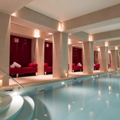 La Reserve Paris Hotel & Spa бассейн