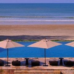Отель Twin Lotus Resort and Spa - Adults Only пляж