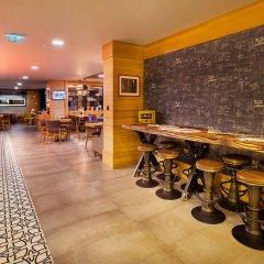 Holiday Inn Istanbul - Kadikoy Турция, Стамбул - 1 отзыв об отеле, цены и фото номеров - забронировать отель Holiday Inn Istanbul - Kadikoy онлайн гостиничный бар фото 2