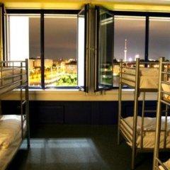 Отель Generator Berlin Prenzlauer Berg Кровать в общем номере с двухъярусной кроватью фото 4