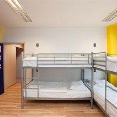 Отель Generator Berlin Prenzlauer Berg Кровать в общем номере с двухъярусной кроватью фото 13