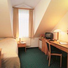 Отель Wellness Hotel Jean De Carro Чехия, Карловы Вары - отзывы, цены и фото номеров - забронировать отель Wellness Hotel Jean De Carro онлайн удобства в номере
