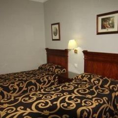 Отель Hostal Roma Стандартный номер с различными типами кроватей фото 3
