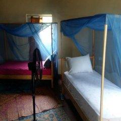 Отель Akwidaa Inn 2* Кровать в общем номере с двухъярусной кроватью