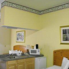 Отель Americas Best Value Inn Three Rivers 2* Стандартный номер с 2 отдельными кроватями