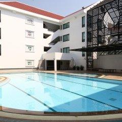 Отель Ta Residence Suvarnabhumi Бангкок бассейн