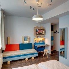Отель MEININGER Hotel Hamburg City Center Германия, Гамбург - отзывы, цены и фото номеров - забронировать отель MEININGER Hotel Hamburg City Center онлайн комната для гостей фото 5
