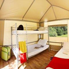 Отель Camping Michelangelo Кровать в общем номере фото 5