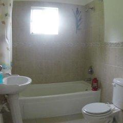 Отель The Heighest Ямайка, Порт Антонио - отзывы, цены и фото номеров - забронировать отель The Heighest онлайн ванная