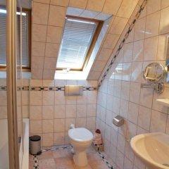 Отель Landgasthof Deutsche Eiche Германия, Мюнхен - отзывы, цены и фото номеров - забронировать отель Landgasthof Deutsche Eiche онлайн ванная фото 5