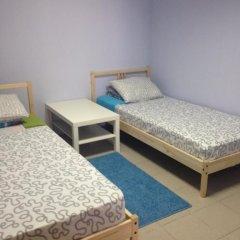 Гостиница Mezhdu morem i solntsem Hostel в Сочи отзывы, цены и фото номеров - забронировать гостиницу Mezhdu morem i solntsem Hostel онлайн комната для гостей фото 2