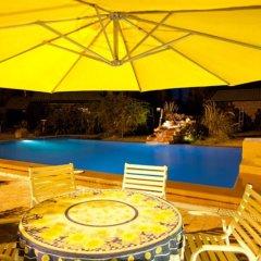 Отель La Pilar Petit Chalets Сан-Рафаэль бассейн