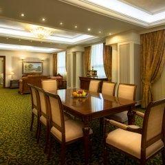 Radisson Blu Hotel, Yerevan 5* Люкс разные типы кроватей фото 2