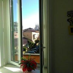 Отель Sunny flat in elegant building close to Colosseum Рим балкон